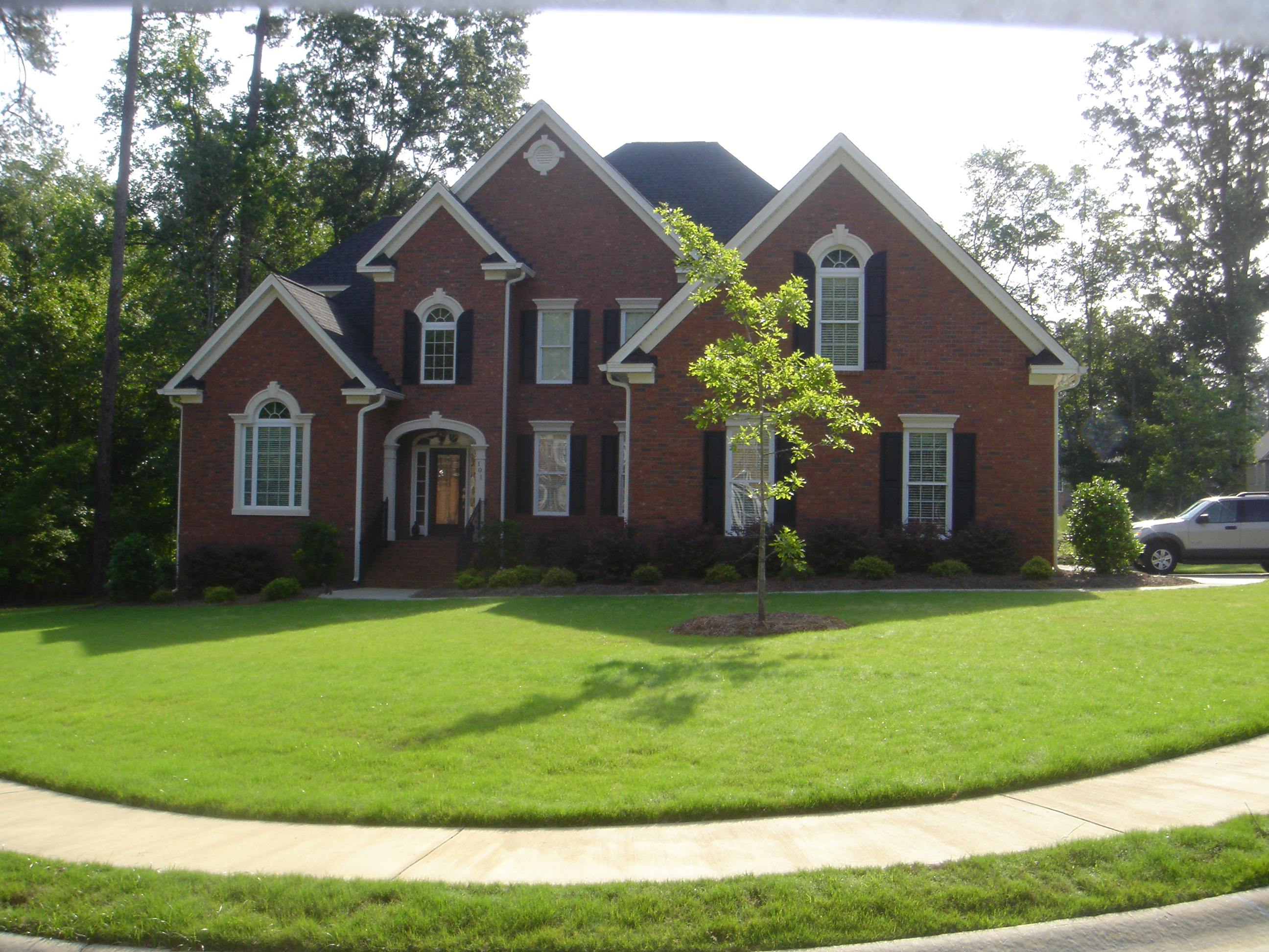 Beautiful Brick Traditional home in Kleckley Colony in Lexington SC, Jason Compton is now in charge of marketing.